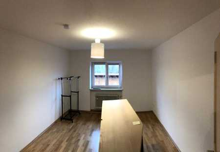 Großzügige 3-Zimmer-Wohnung in traumhafter Lage mit Balkon in Hohenofen bei Pang in Pang (Rosenheim)
