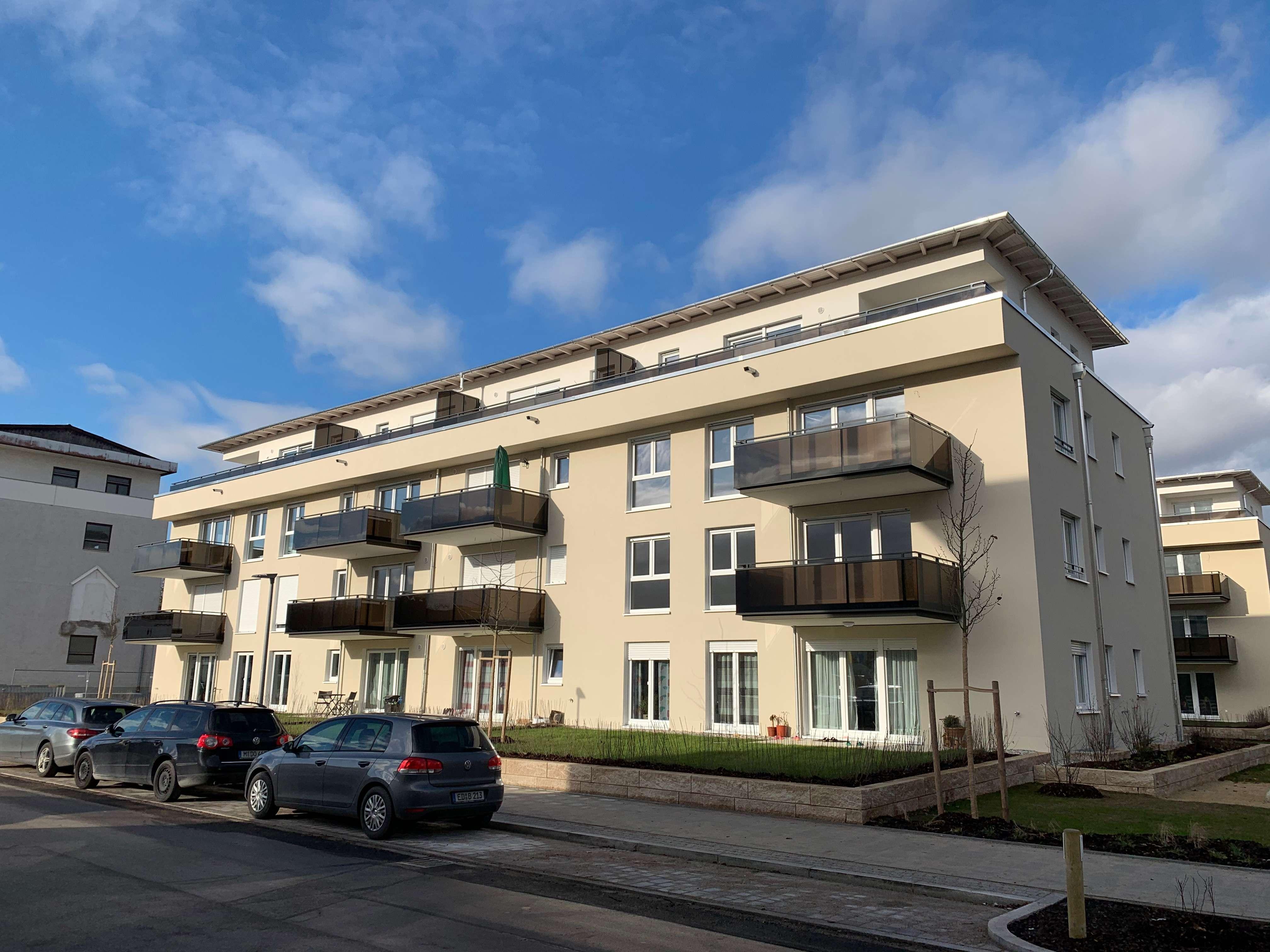 Erstbezug mit Einbauküche und Balkon: exklusive und helle 3-Zimmer-Wohnung in Unterhaching in Unterhaching
