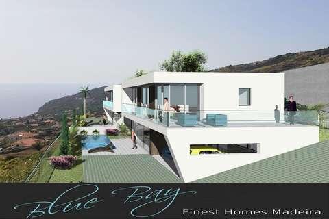 Minimalistische Flachdach Villa mit Pool in Arco da Calheta Madeira