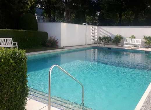 Haus mit Pool im wunderschönen Grunewald (Nähe Hagenplatz entfernt)
