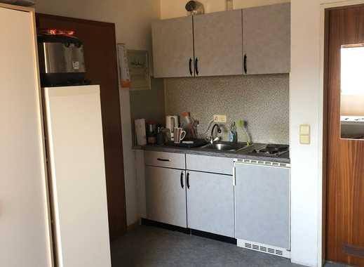 Stilvolle 1-Zimmer-Dachgeschosswohnung mit Einbauküche in Dormagen