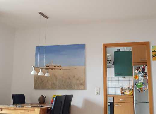 ruhige und gemütliche 3 Zimmer Wohnung mit Südbalkon und KFZ-Stellplatz in der 1. Etage