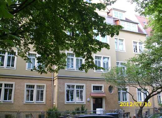 Schöne 3 Zi-Wohnung mit Südbalkon, Einbauküche, Laminat und Wannenbad im Paulusviertel