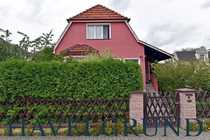 Charmant Einfamilienhaus mit kleinem Bungalow
