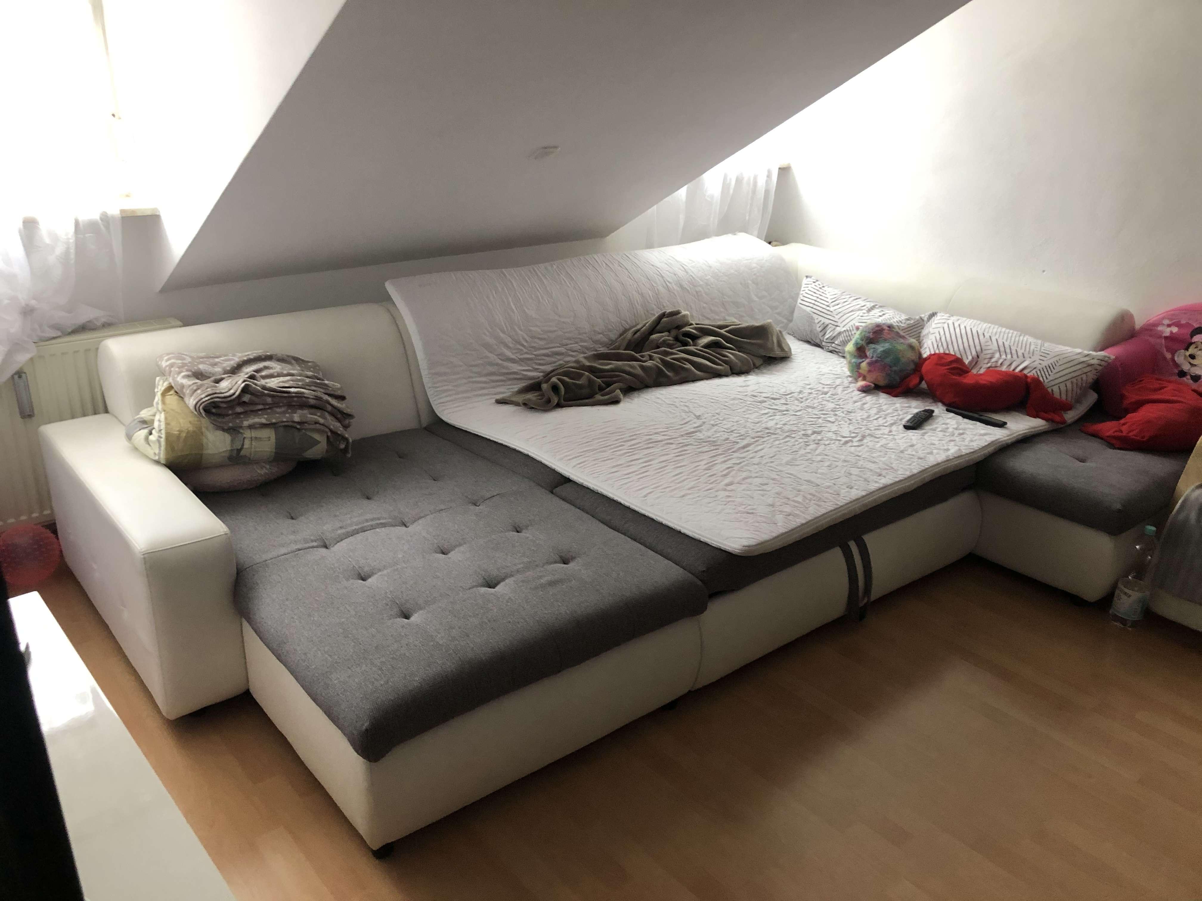 Stilvolle, gepflegte 2,5-Zimmer-Dachgeschosswohnung mit EBK in Landsham in Pliening