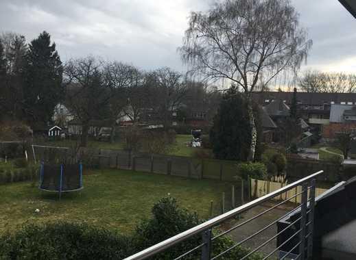 Neuwertige 3-Zimmer-Penthouse-Wohnung mit Balkon und Einbauküche in Aachen