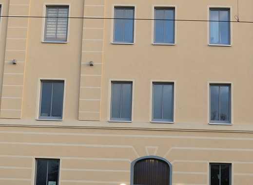 Terrassenwohnung  in Stadionnähe - voll möbliert, sofort beziehbar!