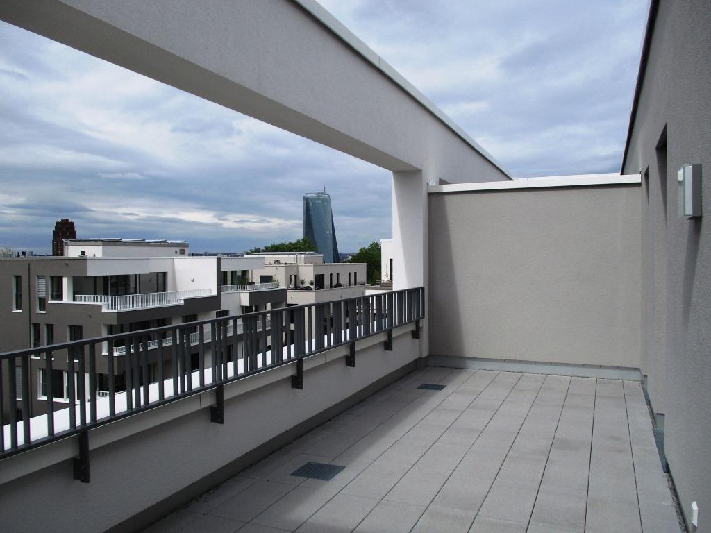 Dachterrasse 2 Aussicht EZB