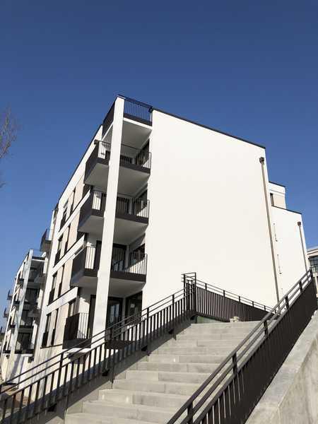 Neuwertig: Exklusive 3-Zimmer-Wohnung mit Einbauküche und Balkon in Regensburg in Stadtamhof (Regensburg)