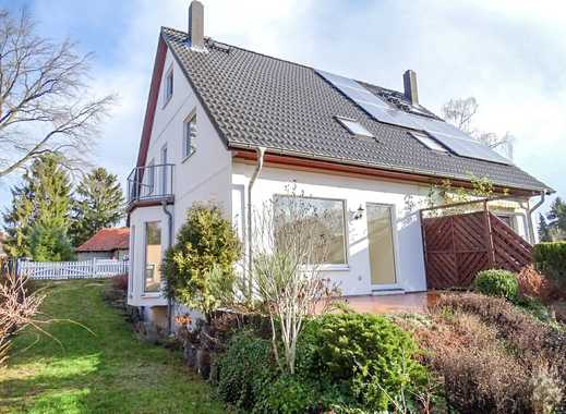 Bezugsfreie Doppelhaushälfte in ruhiger Seitenstraße von Mahlsdorf