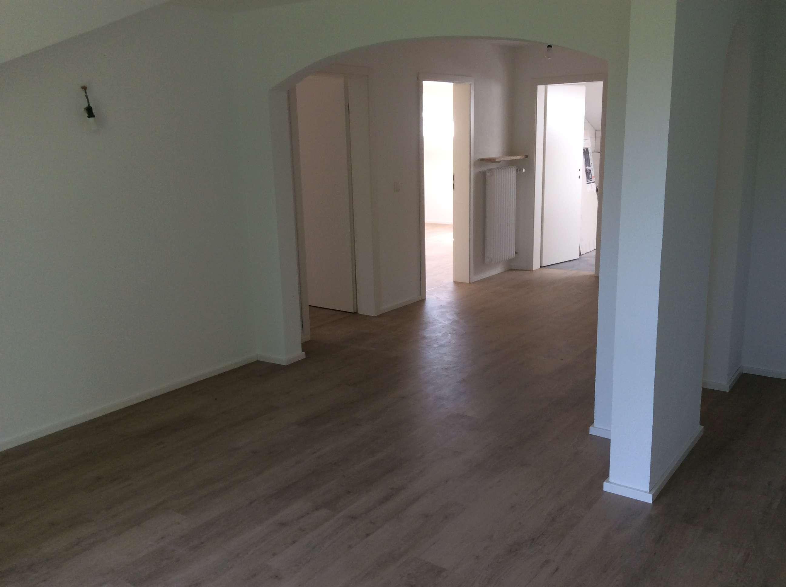 Neuwertige 3,5-Zimmer-DG-Wohnung mit Balkon in Buchenberg in