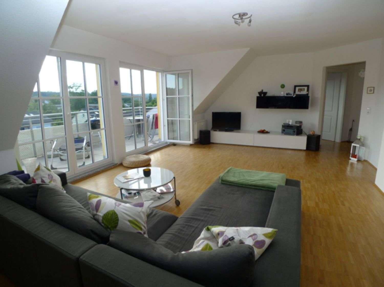 Wunderschöne 3 Zi. DG-Wohnung im schönen Sommerhausen - großer Balkon - Stellplatz in Sommerhausen