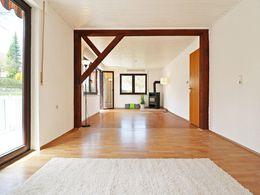 wohntraum mit exklusiver ausstattung in ruhiger stadtlage moderne dhh im idyllischen kirchheim teck. Black Bedroom Furniture Sets. Home Design Ideas