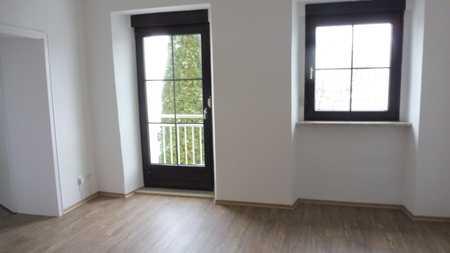 schöne 3-Zimmer-Wohnung  , Unterer Wöhrd,saniert mit Super Donau u.Domblick in Regensburg-Innenstadt