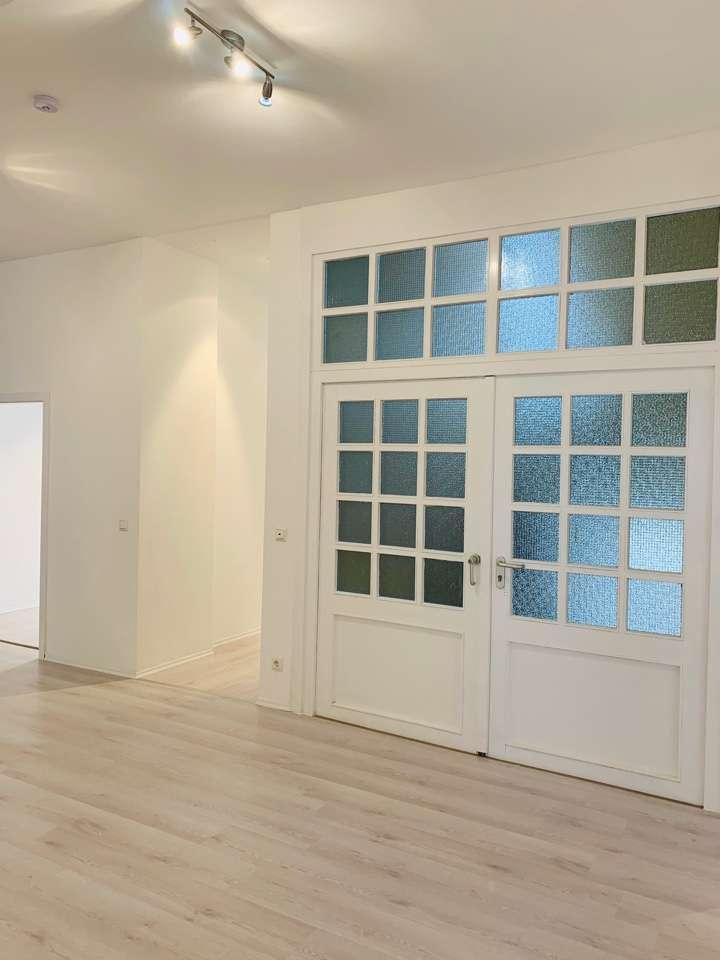 Gepflegte 5-Zimmer-Wohnung mit  2 Balkonen  und Einbauküche in Bayreuth in