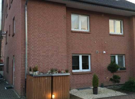 Helle Wohnung mit Südbalkon, Kamin u. Garage im 2 Fam. HS in ruhiger Lage von Moers-Schwafheim