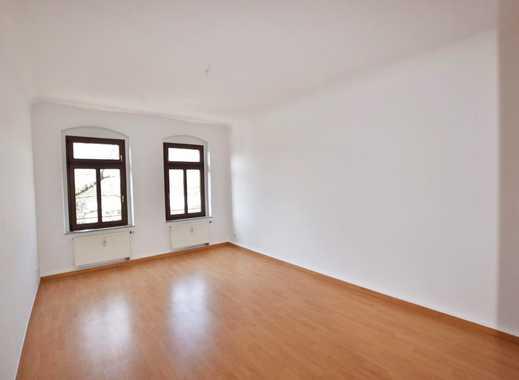 tolle 2-Raum-Wohnung mit Balkon und Laminat