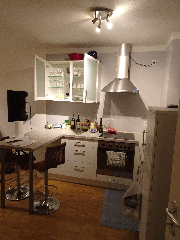 1,5-Zimmer-Erdgeschosswohnung mit eigenem Garten und Einbauküche in Unterhaching in Unterhaching