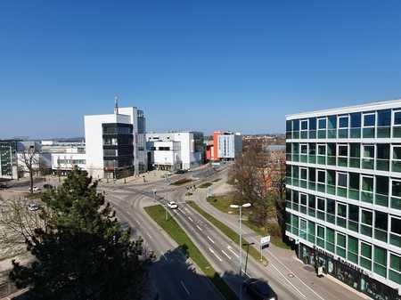 Zentraler geht nicht! Komplett renovierte, moderne Wohnung mit Ausblick und TG-Platz am Forum-Allgäu in Kempten (Allgäu)-Innenstadt