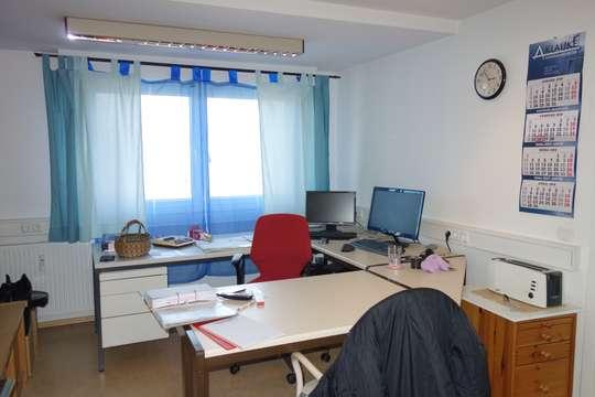 TOP RENDITEOBJEKT  2 Fam. Haus leerstehend, vermietbar z.B. als Arbeiterunterkunft, Studentenzimmer
