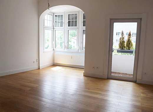Gehobene Altbau 3-Zimmer-Wohnung mit Balkon, Kaminofen, Holzfußboden in Erfurt