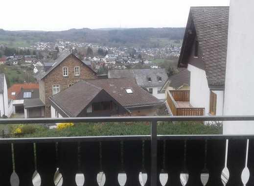 Nähe Neuhäusel (Bad Ems) - großzügige 5 Zimmer mit Balkon und Freisitz, direkt vom Eigentümer