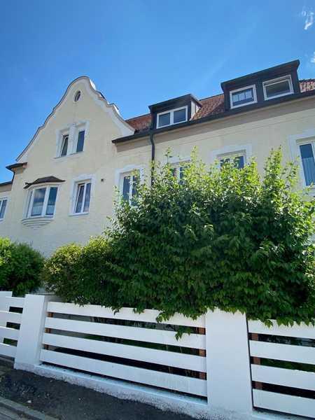 Frisch renovierte, großzügige Wohnung mit üppiger Terrasse und EBK in Ottobeuren