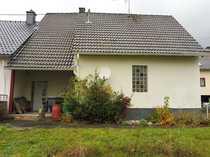Einseitig angebautes Einfamilienhaus auch als