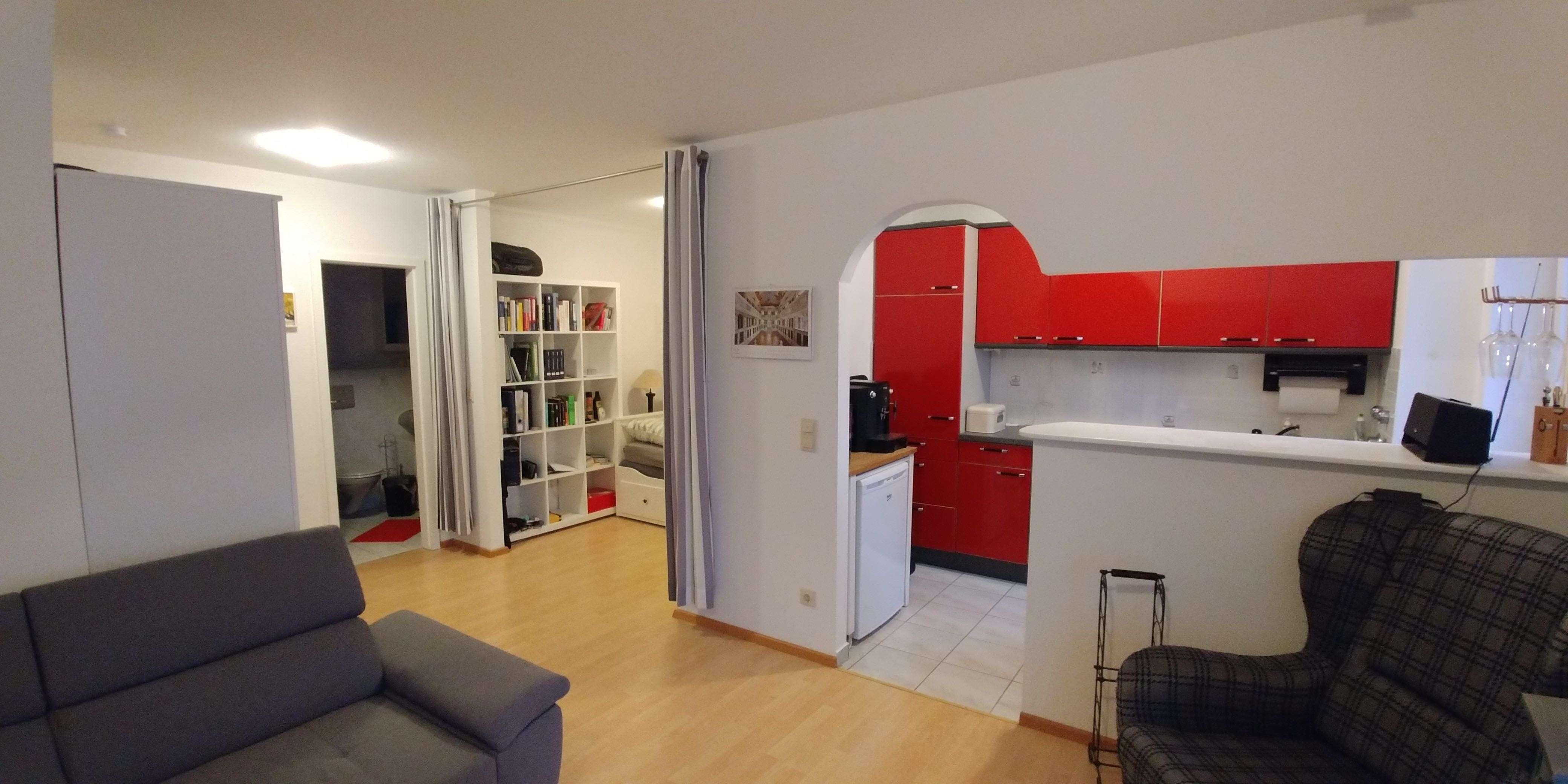Schöne, geräumige 1 Zimmer Wohnung in Königsbrunn in Königsbrunn