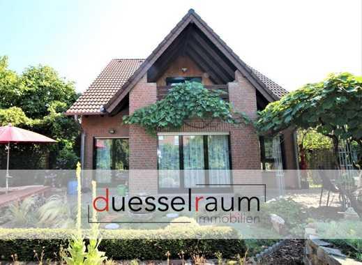 Hellerhof-Ost: Freistehendes und verklinkertes Einfamilienhaus mit großem Garten