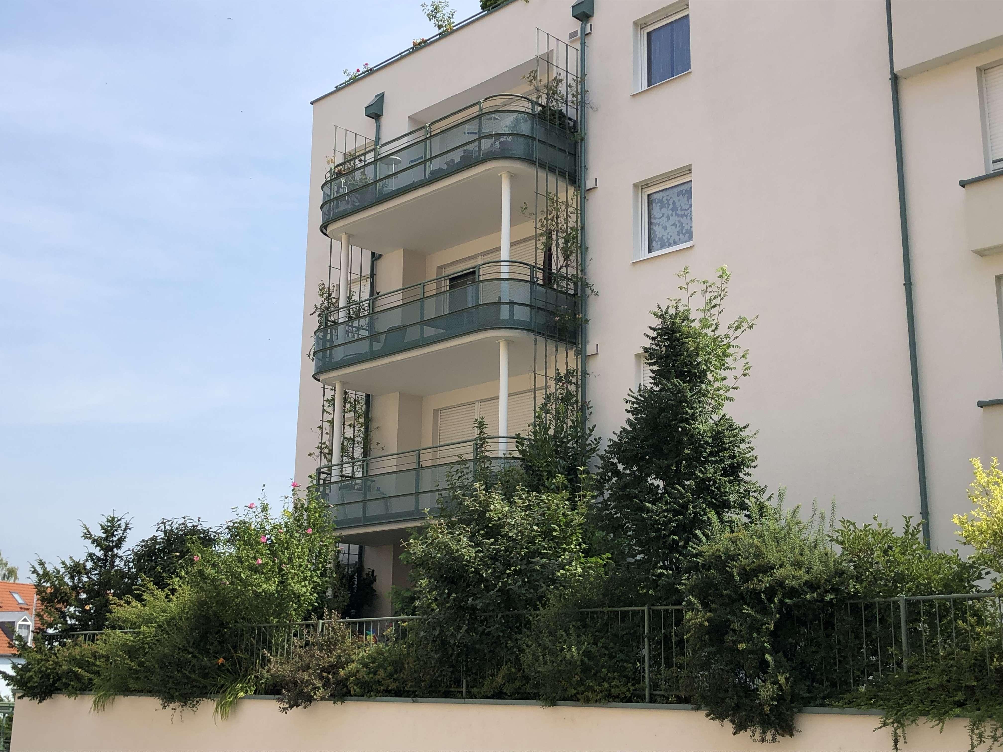 Neuwertige 3-Zimmer-Terrassenwohnung mit EBK in zentrumsnaher Lage in Galgenberg (Regensburg)