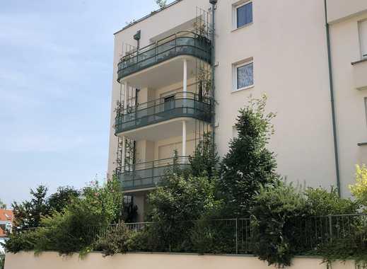 Neuwertige 3-Zimmer-Terrassenwohnung mit EBK in zentrumsnaher Lage