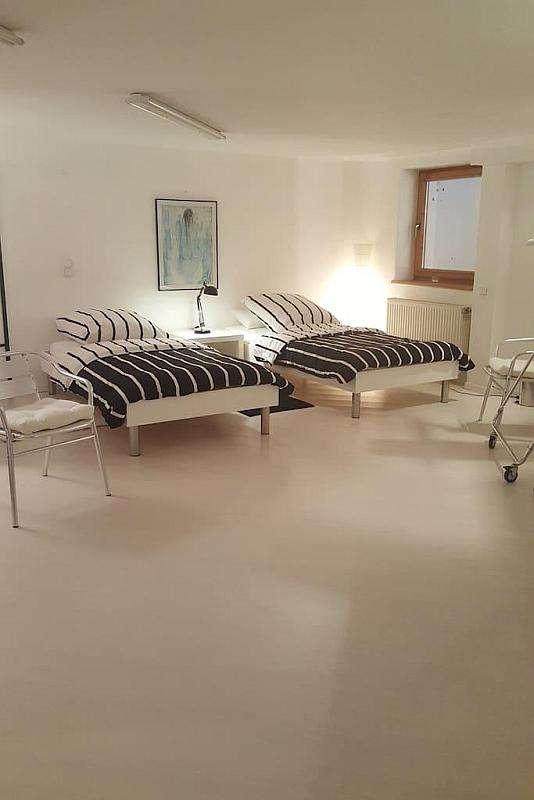 Ruhige 3-Zimmer Wohnung im Souterrain mit Gartennutzung in München - Vaterstetten in Vaterstetten