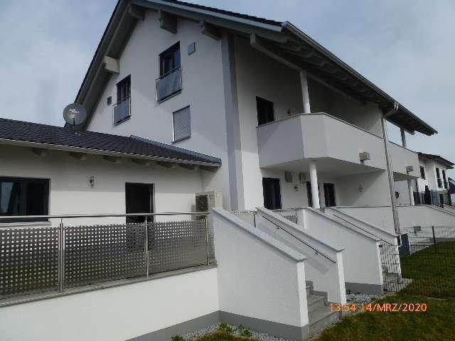 Anspruchsvolles Wohnen mit Garten in einer neuwertigen DHH KFW 40+ mit gehobener Ausstattung in