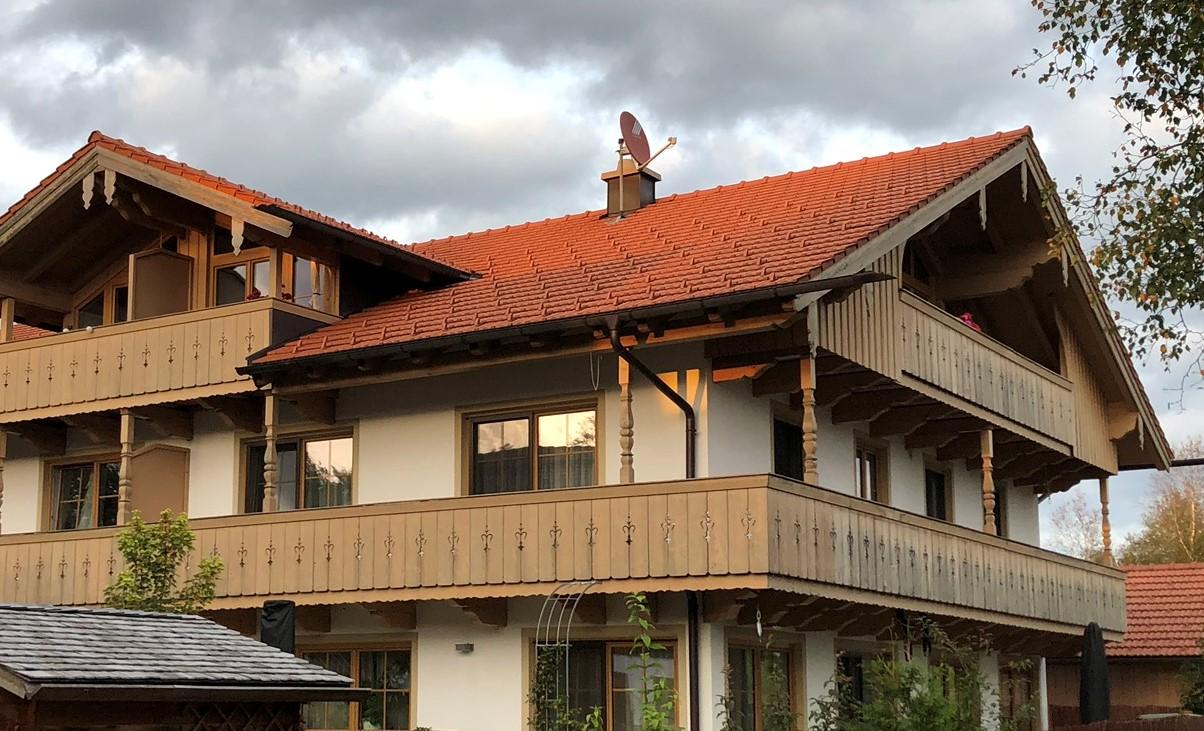 Wunderschöne Dachgeschosswohnung mit Süd- und Westbalkon in Sachsenkam in Sachsenkam