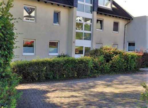 Vermietete, moderne DG-Mais.-ETW, Süd-Balkon, gepflegtes 8-Familienhaus