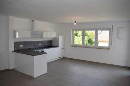 Hochwertige 3-Zimmerwohnung mit Einbauküche, Balkon, 2 Stellplätzen und vieles mehr in Volkenschwand