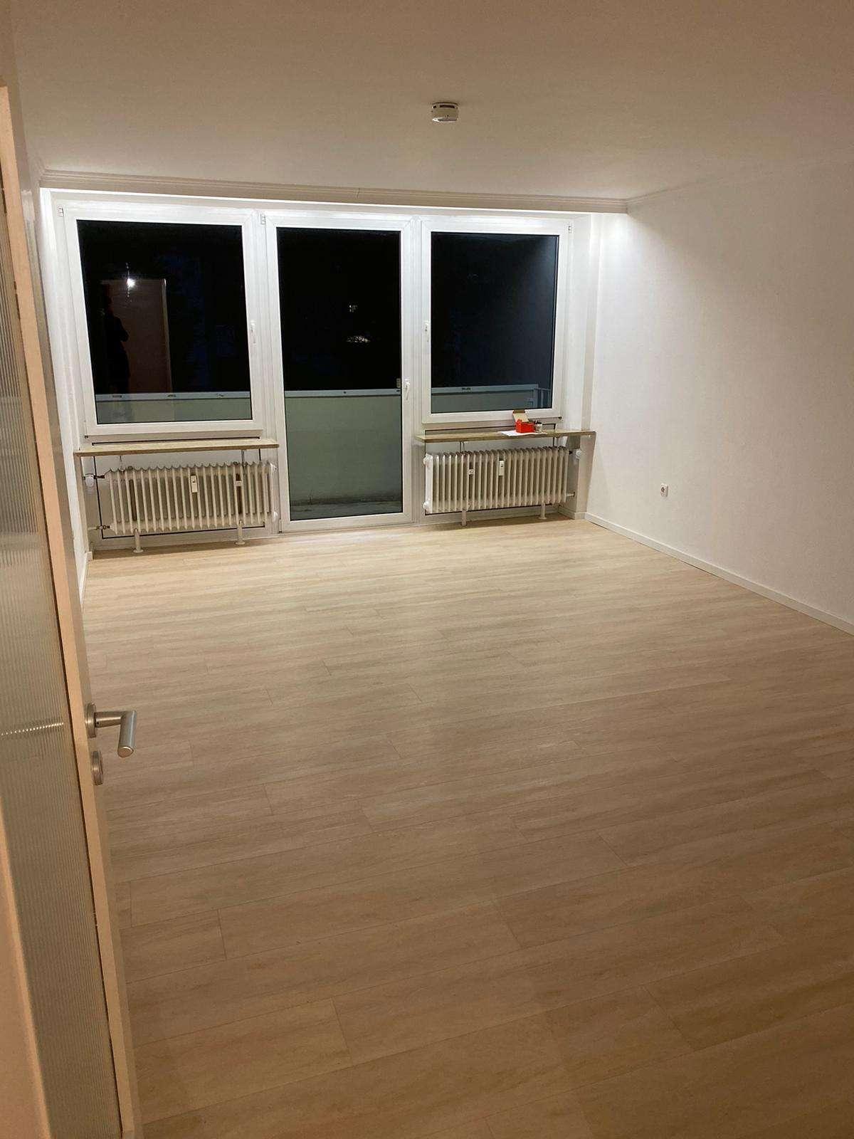 Stilvolle, sanierte 1-Zimmer-Wohnung mit Balkon und EBK in Bogenhausen, München in Bogenhausen (München)