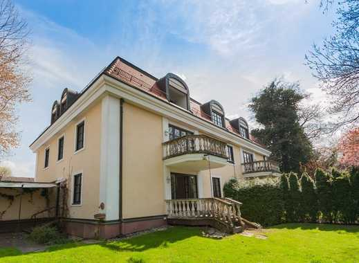 Herzogpark! Mehrfamilienhaus auf sonnigem Grundstück in Bestlage