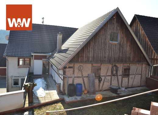 Für Kreative: teilsaniertes Bauernhaus mit großer Scheune sucht neuen Besitzer