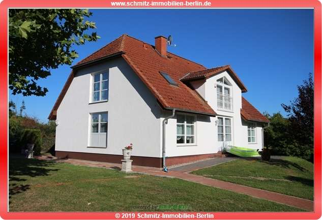 Your dream country house by the lake Your estate agent: Holger Schmitz….