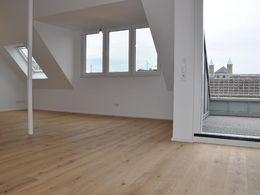 Wohnzimmer/-Balkon