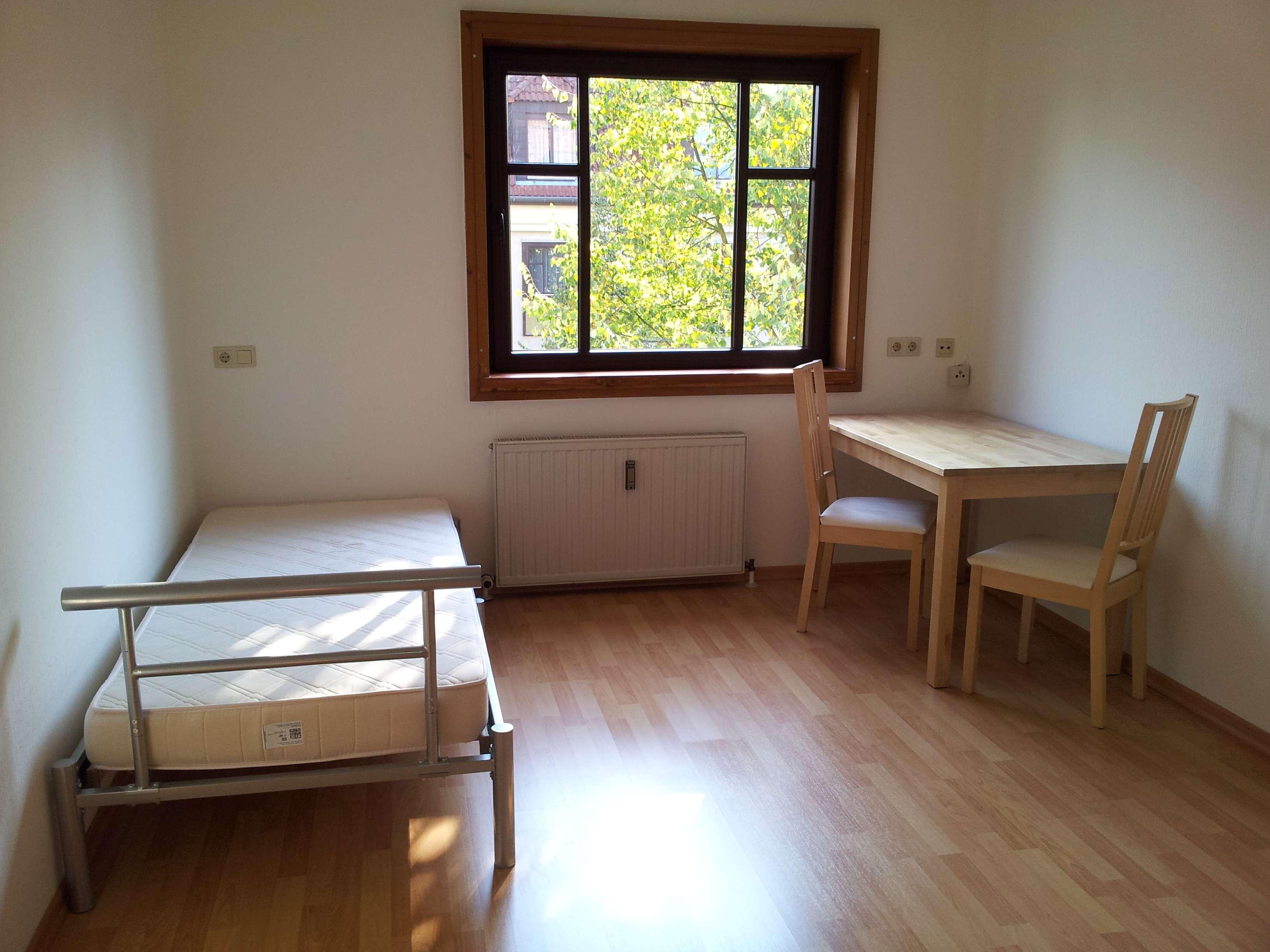 Möblierte 1-Zi.-Wohnung mit Einbauküche in Bayreuth zwischen Bahnhof und Zentrum, Wfl. ca. 19 m² in