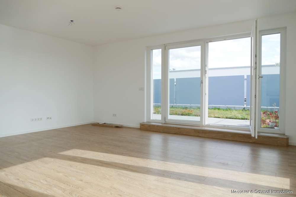 Moderne Penthouse- Wohnung mit EBK und bester Anbindung! Innenstadt- und Bahnhofsnah! in Industriegebiet (Landshut)