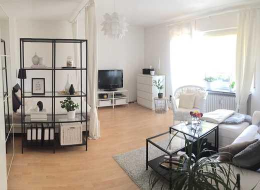 Stilvolle, geräumige 1-Zimmer-EG-Wohnung mit Balkon in Frankfurt am Main