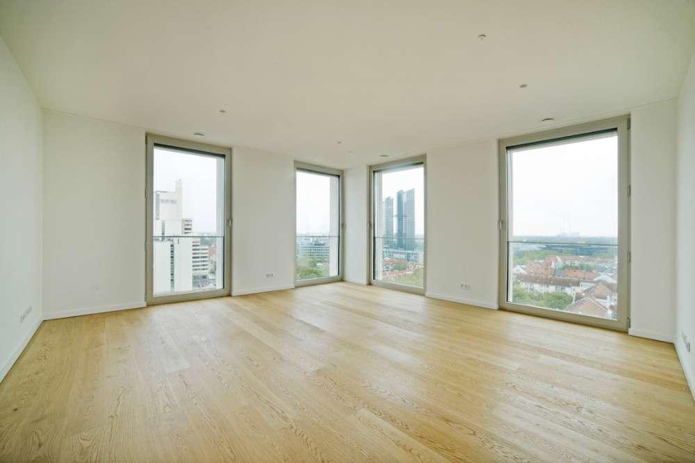 Schöner Wohnen in Schwabing: 3 Zimmer mit großer Loggia! in