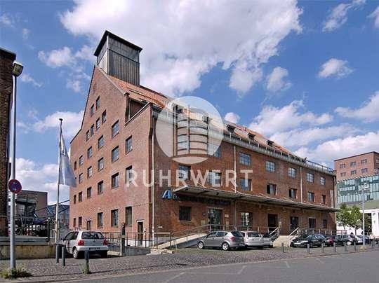 Hausansicht von Historische Faktorei: Bürofläche bis zu 2.788 m² am Duisburger Innenhafen!