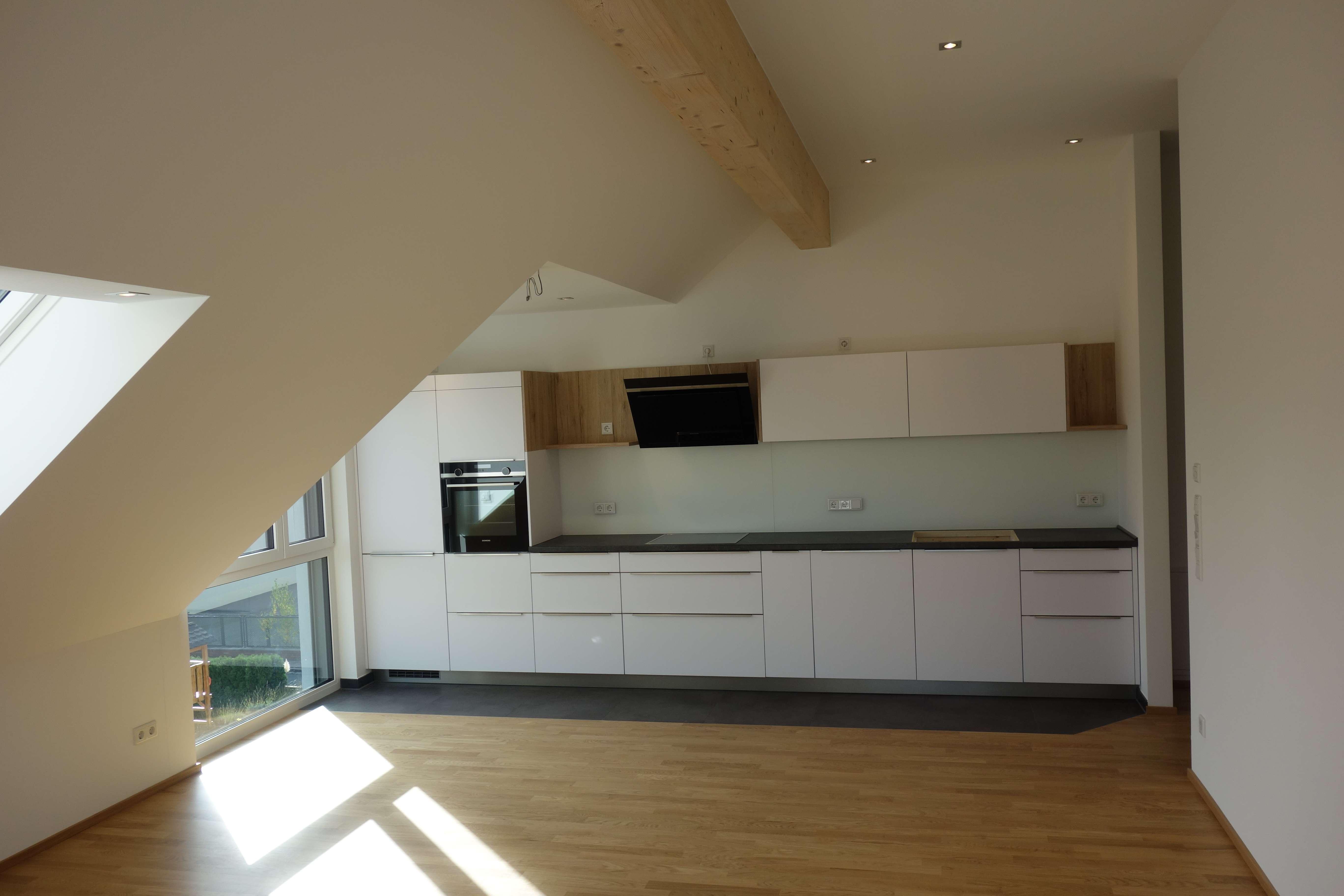 Erstbezug: Exklusive 2-Zimmer-DG-Wohnung mit Einbauküche, Klimaanlage und Balkon in Fürth in Stadeln / Herboldshof / Mannhof (Fürth)
