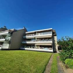 Renovierte, großzügige 3 -Zimmerwohnung mit Balkon und Garage