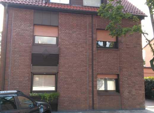 Gepflegte 4-Zimmer-Wohnung mit Balkon und großer Wohnküche in Oberhausen
